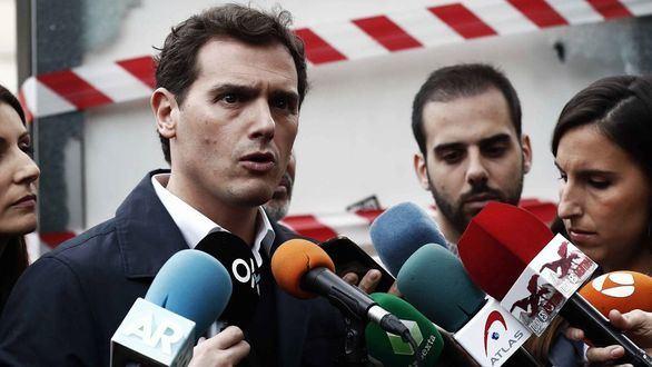 Rivera exige el cese de Torra: