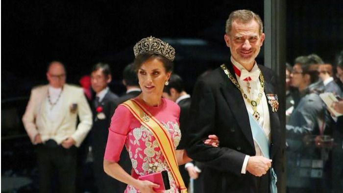 Los Reyes asisten a la ceremonia de entronización de Naruhito como emperador