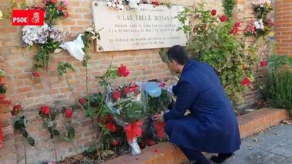 Sánchez visita el monumento a las Trece Rosas tras la exhumación