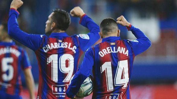 Orellana tumba al Villarreal en el descuento |2-1