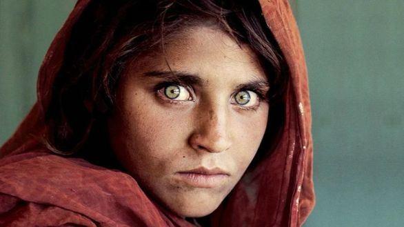 Steve McCurry, autor de la icónica foto de la niña afgana de National Geographic, visita Madrid