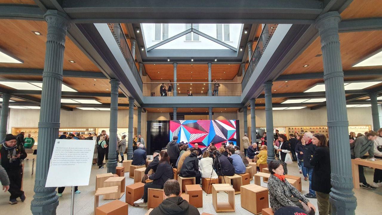 Apple reinaugura su tienda de Sol con nuevos espacios para talleres creativos
