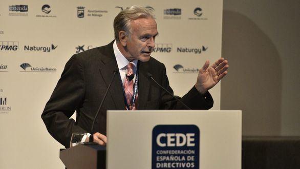 Isidro Fainé clausura el Congreso de CEDE en Málaga.