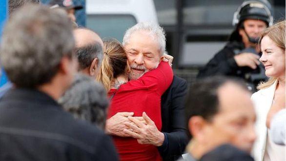 El expresidente Lula, libre tras 19 meses en prisión por corrupción