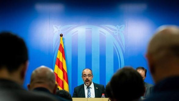 El TSJC admite la querella contra Buch por la escolta de Puigdemont
