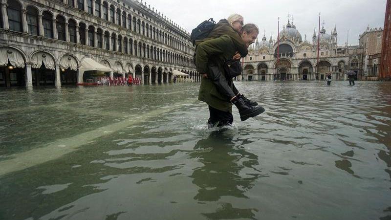 Preocupación en Venecia por el 'agua alta', que deja el 50 % de la ciudad inundada