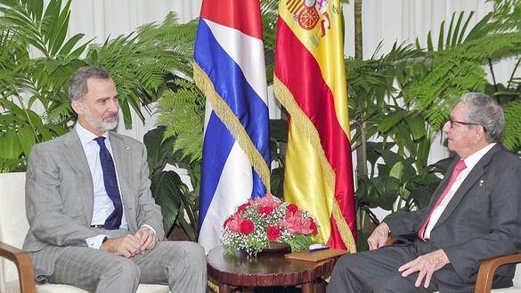 El Rey se reúne con Raúl Castro antes de abandonar Cuba
