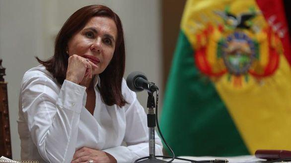El Gobierno de Bolivia amenaza a Evo y rompe con Maduro, con los primeros muertos en las calles