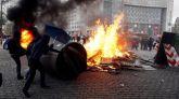 Los 'chalecos amarillos' vuelven a salpicar de violencia a París