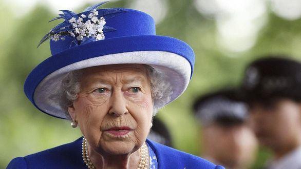El príncipe Andrés admite haber defraudado a Isabel II al mantener su amistad con Epstein