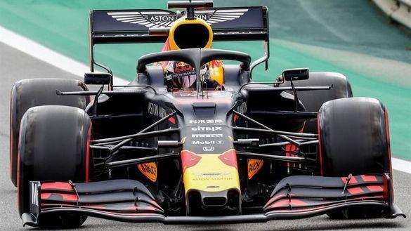 GP Brasil. Verstappen reina en la locura y Carlos Sainz resplandece