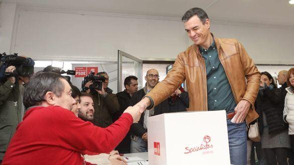 La militancia otorga a Pedro Sánchez un amplio apoyo a su pacto con Iglesias