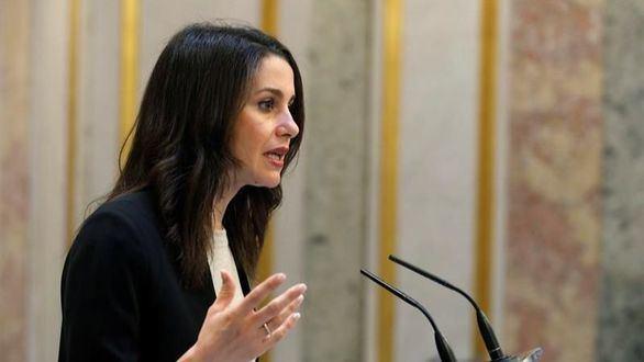 Cs quiere un puesto en la Mesa para evitar que el PSOE