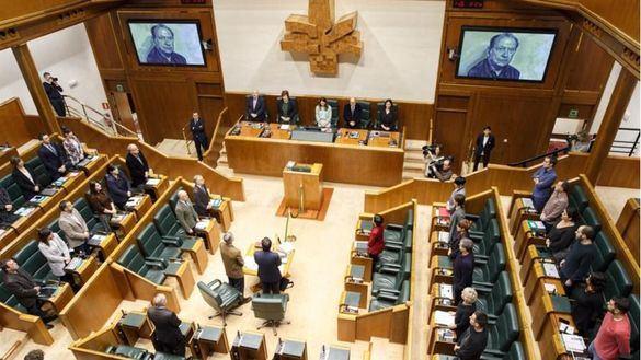 PNV y Bildu votarán mañana a favor del derecho a decidir vasco