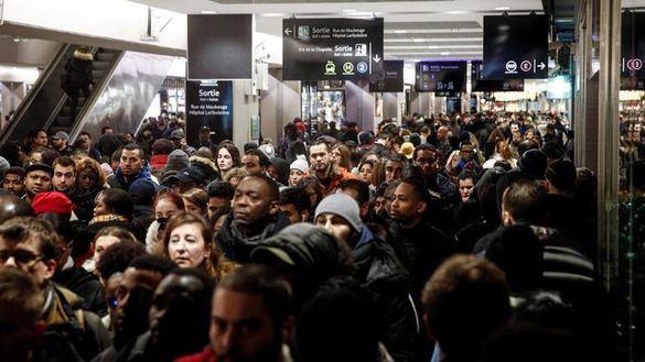 Francia sufre más de 600 kilómetros de atascos por la huelga