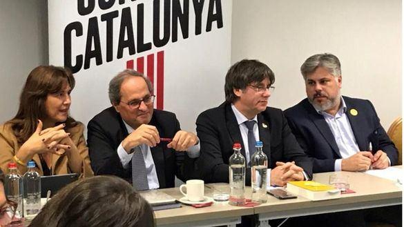 JxCat retira la moción de autodeterminación en el Parlament como gesto hacia Sánchez