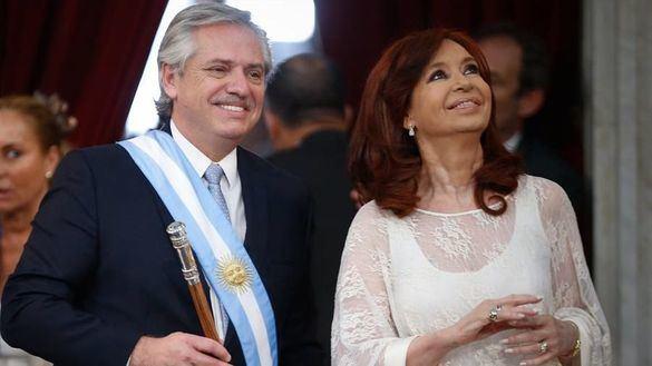 Fernández toma posesión en Argentina atacando el legado de Macri