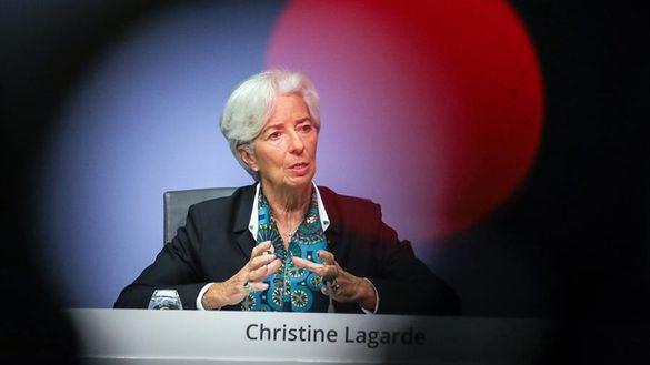Lagarde juega sobre seguro y mantiene los tipos de interés