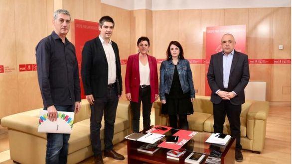 Bildu se hace la foto con el PSOE y pide revisar la política penitenciaria y el