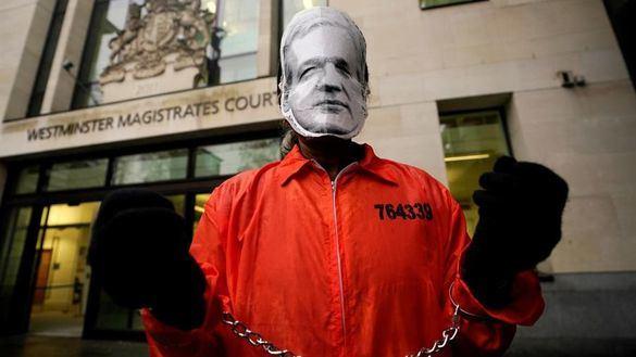 Assange asegura que fue espiado por EEUU en la embajada de Ecuador