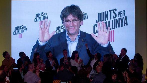 Puigdemont se aproxima a Cataluña: propone un acto de JxCat en Perpiñán