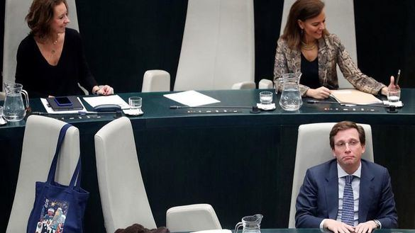 El Ayuntamiento de Madrid aprueba los Presupuestos de Almeida con la abstención de Vox