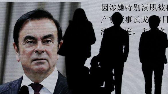 Ghosn, expresidente de Nissan y presunto corrupto, huye de Japón a Beirut