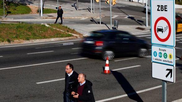 Barcelona se blinda al tráfico: veta la circulación de 55.000 coches desde hoy
