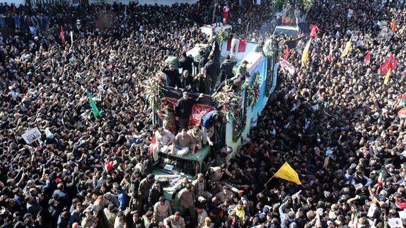 Más de 50 muertos por una estampida en el funeral de Soleimaní