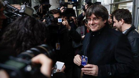 Puigdemont apela al TC para que levante la euroorden contra él y ataca a Llarena