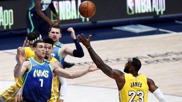NBA. LeBron James y sus Lakers tambalean la nube de Doncic