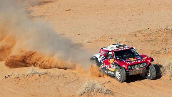 Dakar 2020. Carlos Sainz gana y se distancia como líder en coches
