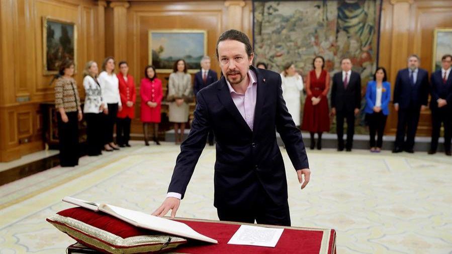 Imágenes de la toma de posesión del Gobierno de coalición ante el Rey
