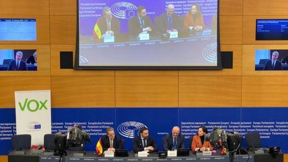 Vox demanda al Parlamento Europeo.