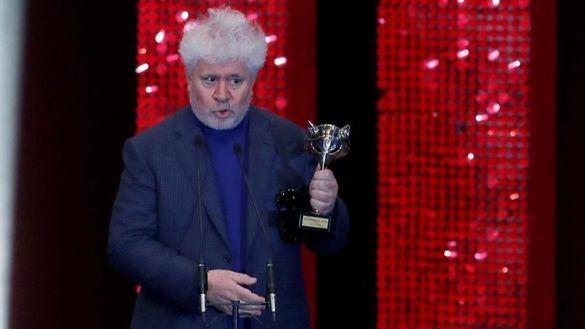 Dolor y gloria, de Pedro Almodóvar, arrasa con seis Premios Feroz