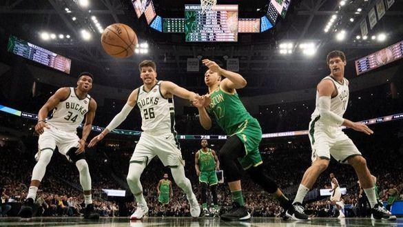 NBA. Antetokounmpo y los Bucks pastorean a los Celtics y a la liga entera