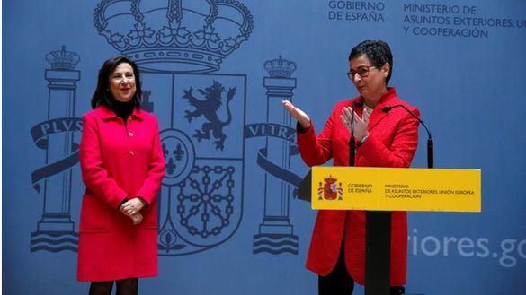 El Gobierno permite reabrir tres 'embajadas' catalanas y el TSJC anula otras seis