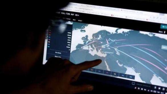 FBI, Reino Unido y Alemania detienen a un joven por robar y vender 12.000 contraseñas