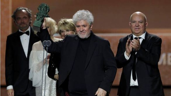 Dolor y gloria triunfa en los Goya con siete premios, entre ellos mejor director y película