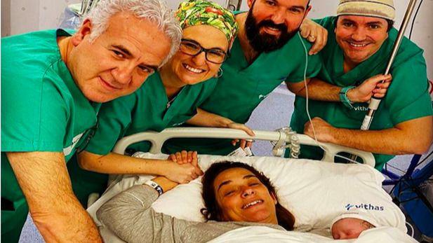 Toñi Moreno recibe el alta tras tener a su primera hija, Lola