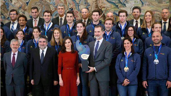 Los Reyes homenajean a las selecciones nacionales de waterpolo en la Zarzuela