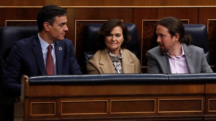 Imágenes de la apertura de las Cortes: Podemos se estrena en la bancada azul
