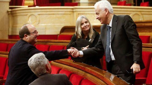 El Parlament aprueba, con la abstención del PSC, recurrir la retirada del acta a Torra