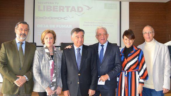 Jesús Sánchez Martos apoya la campaña de deshabituación tabáquica del COFM