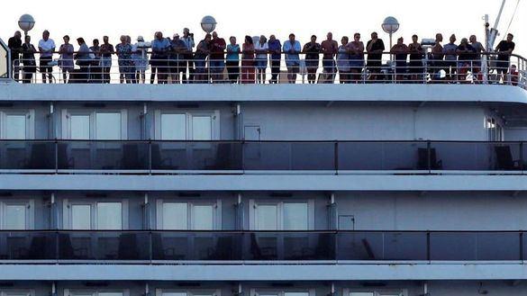 Detectan 70 casos más de coronavirus en el crucero en cuarentena