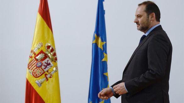 Ábalos rechaza dimitir por enésima vez: