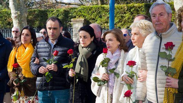Sentido homenaje a Fernando Buesa y a su escolta Jorge Díez, asesinados por Eta