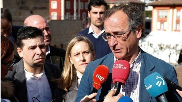 Casado aparta a Alonso y recupera a Iturgaiz de candidato de PP+Cs en el País Vasco