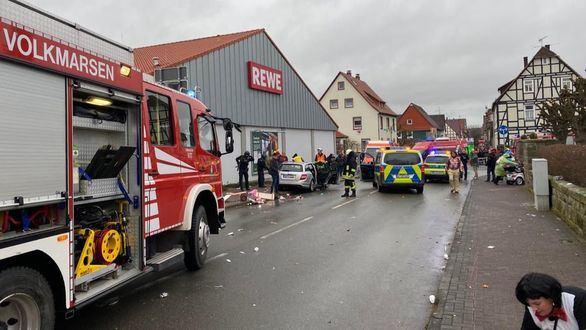 Atropello masivo en un desfile de carnaval alemán: 52 heridos