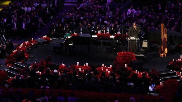 NBA. La imagen para el recuerdo del funeral de Kobe Bryant: el llanto de Michael Jordan